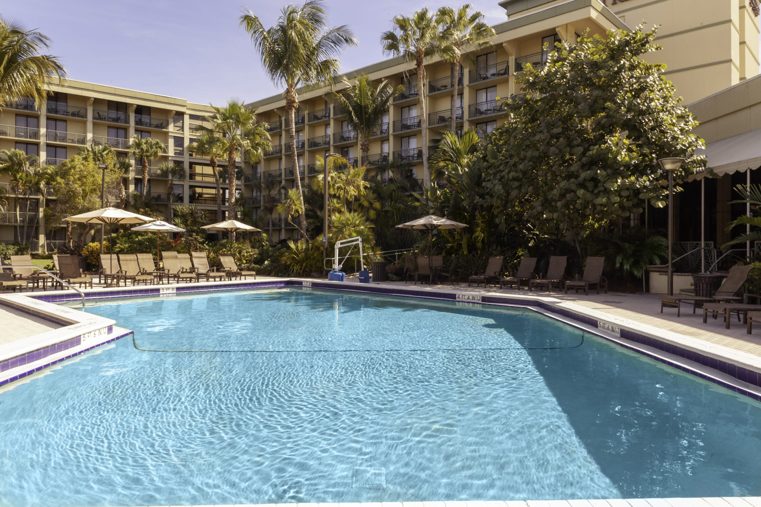 Doubletree Hotel and Executive Meeting Center Pool